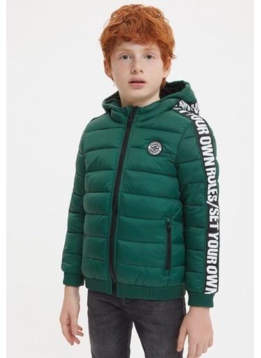 DeFacto Erkek Çocuk Baskılı Kapüşonlu Şişme Mont Yeşil